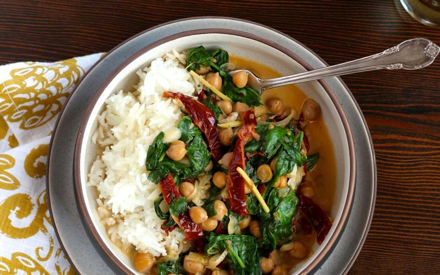 Braised coconut spinach & chickpeas