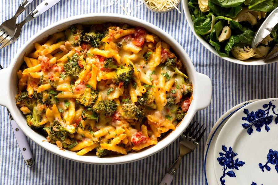 Cheesy baked gluten-free penne and broccoli