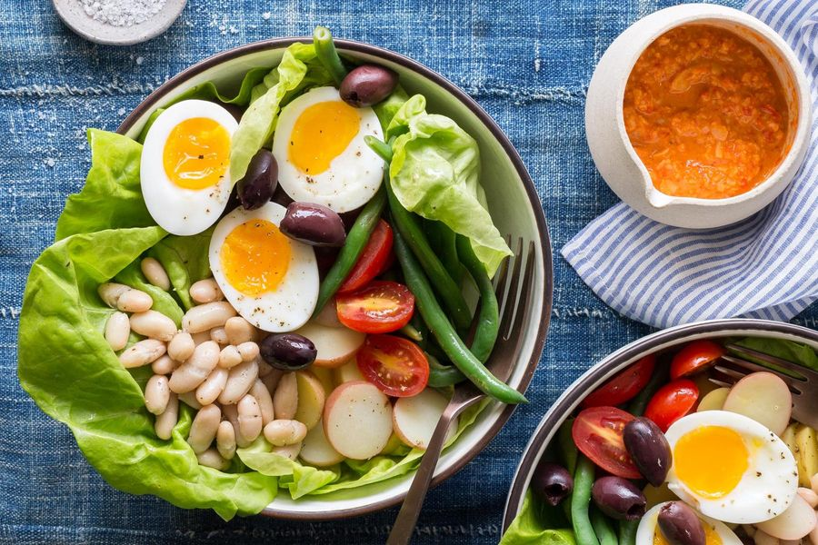 White bean niçoise salad with red pepper vinaigrette