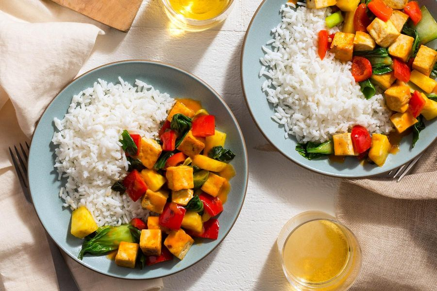 Spicy summer tofu stir-fry with pineapple and bell pepper