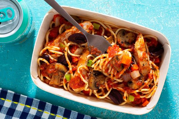 Chicken cacciatore with olives and mushrooms