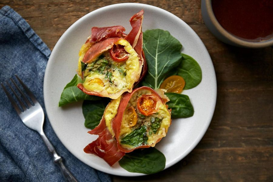 Paleo prosciutto and spinach mini quiches