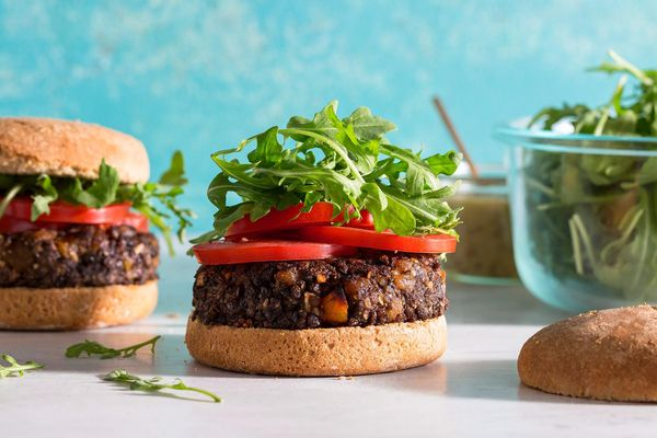 Lentil, mushroom, and apricot burgers with arugula salad