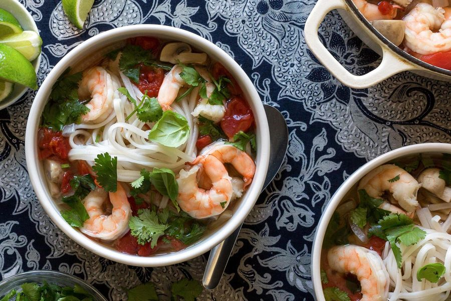 Thai shrimp and rice noodle soup
