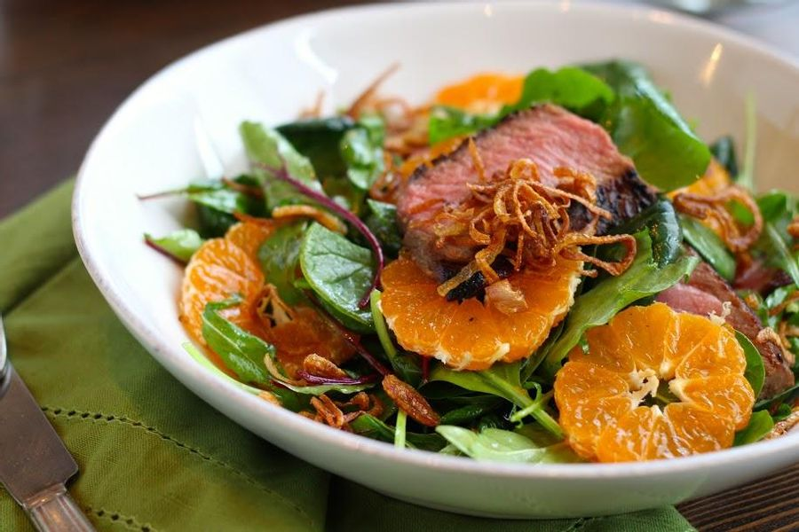 Steak salad with Satsuma oranges and fried shallots