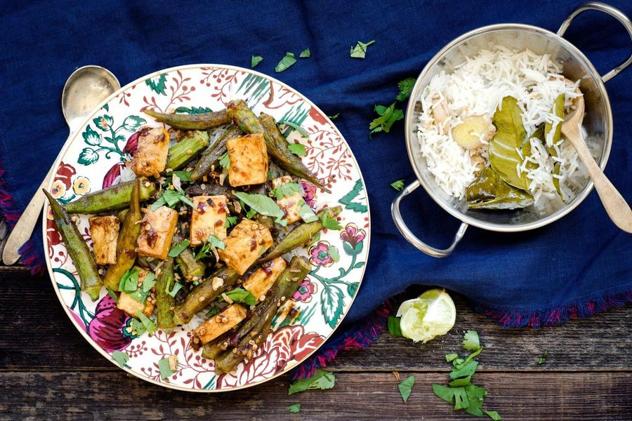 Coconut rice with okra and paneer