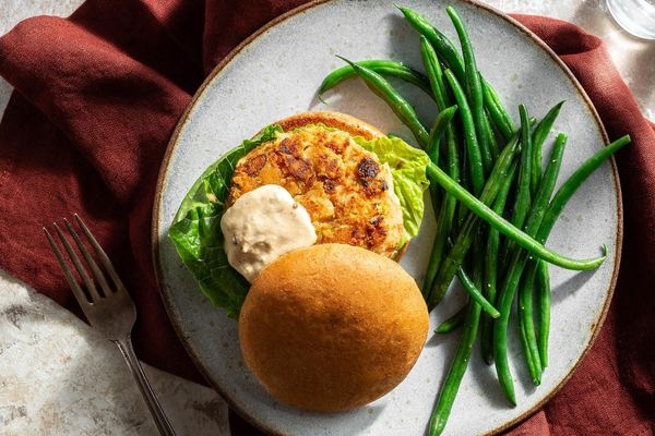 Smoky white bean burgers with lemon green beans