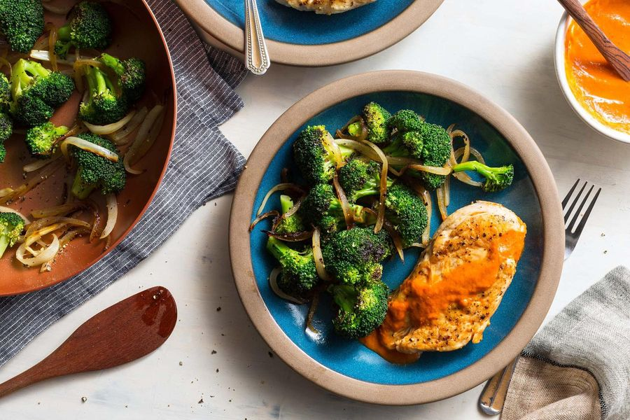 Chicken breasts diablo with broccoli and caramelized onion