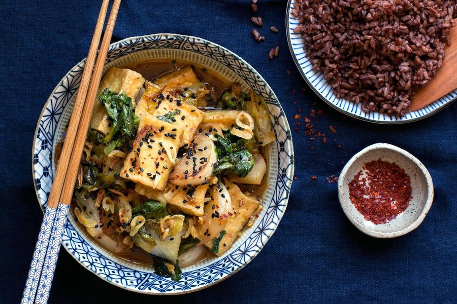 Braised tofu and escarole stir-fry with Bhutan red rice