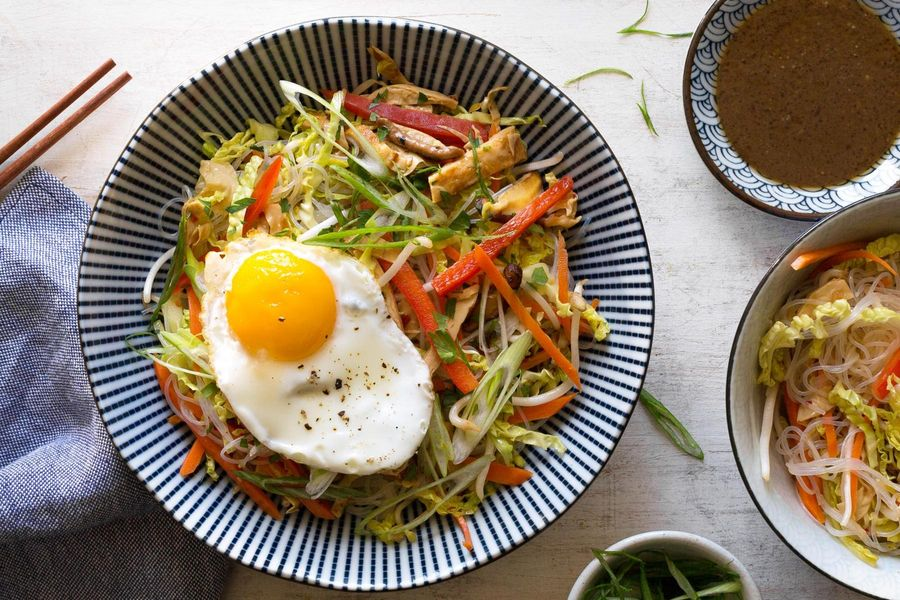 Glass noodles with spicy yuba and vegetables