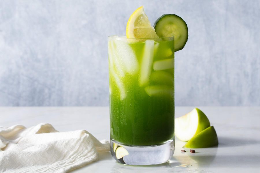 Cucumber-Apple Tonic with Turmeric and Kale Recipe