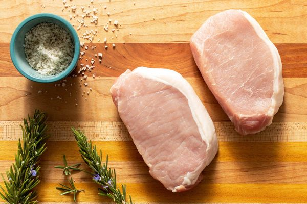 Organic boneless pork loin chops (2 count)
