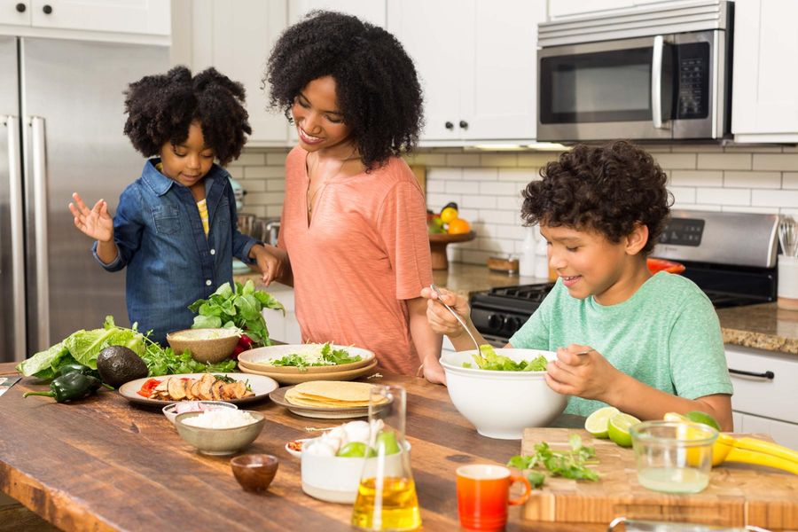 Sun Basket Introduces our Paleo Friendly Family Menu Meal Plan