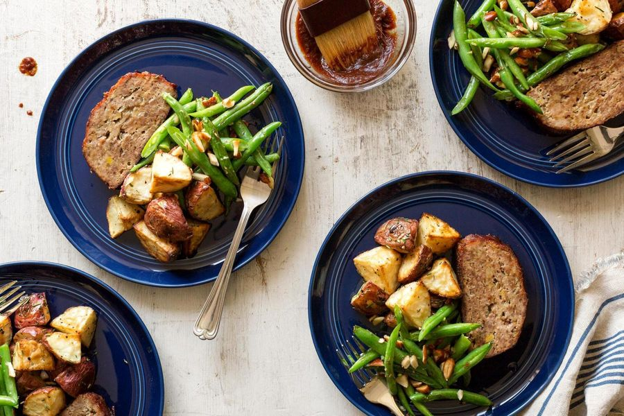 BBQ meatloaf with roasted potatoes and green beans