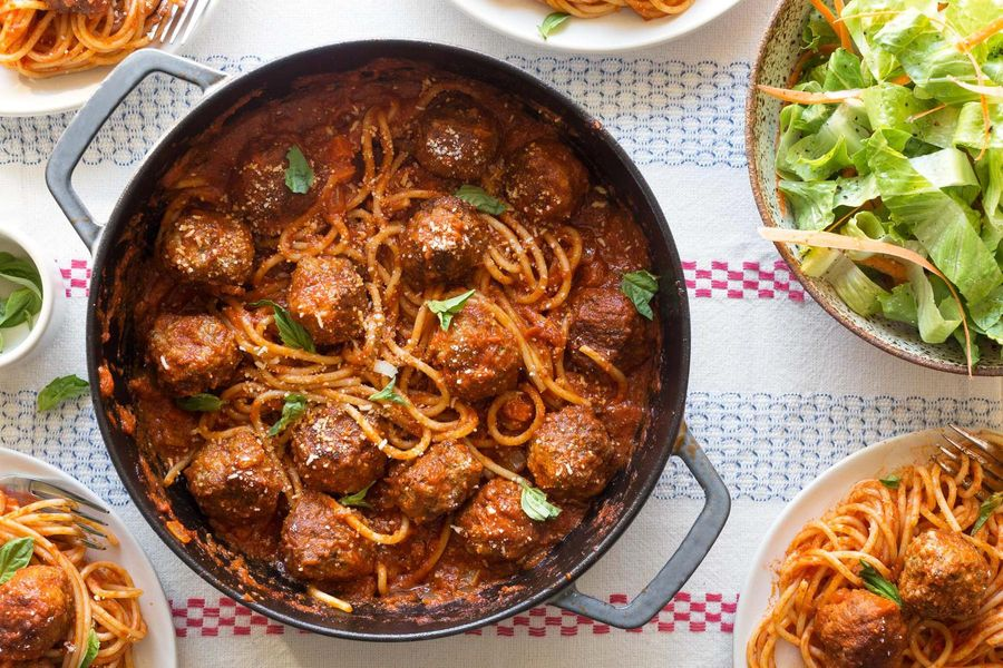 Spaghetti and meatballs with romaine salad