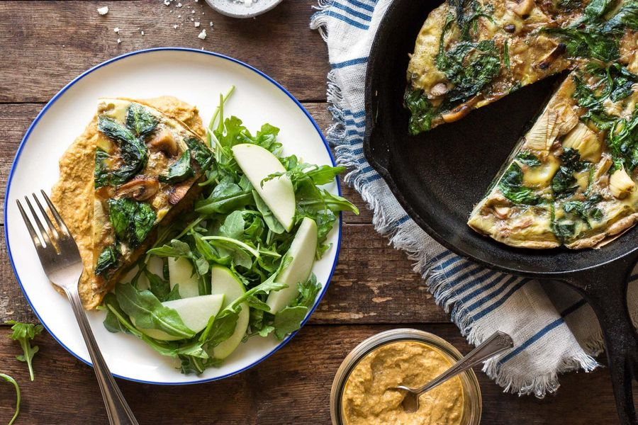 Artichoke-mushroom frittata with apple and arugula salad