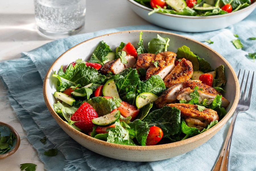 Chipotle-rubbed chicken with strawberry and kale salad