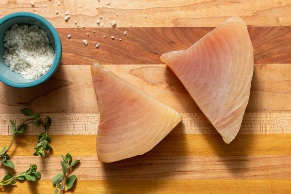 Wild albacore tuna steaks (2 count)
