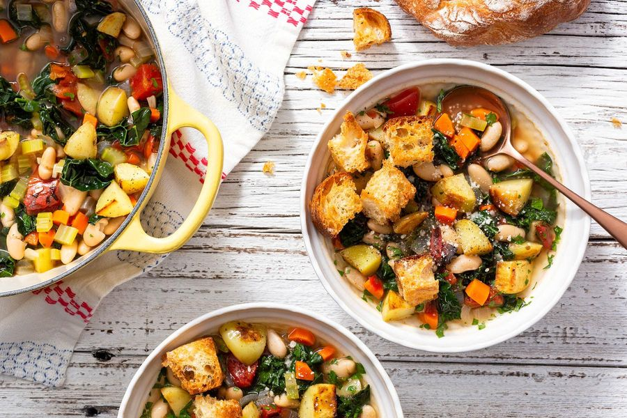 Tuscan vegetable soup with ciabatta croutons