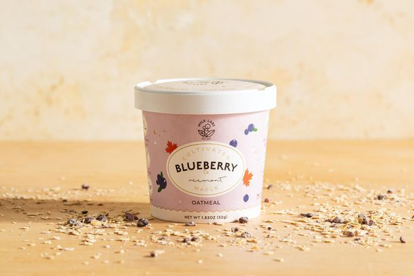 Cultivated blueberry and Vermont maple oatmeal cup