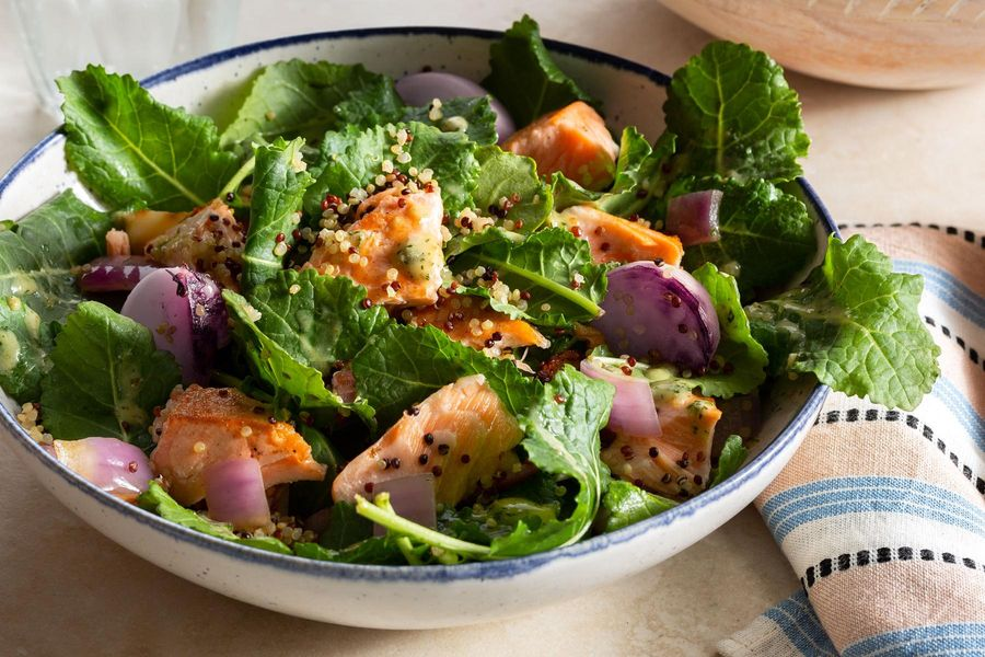 Flaked salmon salad with quinoa and Dijon dressing
