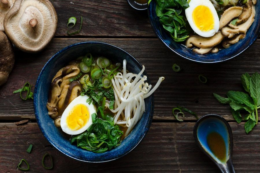 Miracle Noodle Miso Soup With Shiitake And Spinach