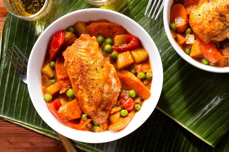 Filipino chicken afritada with potatoes bell pepper and peas forumfinder Gallery