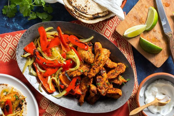 New Mexican chicken fajitas with bell pepper and onion