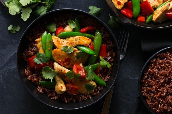 Ginger-sesame chicken with sugar snap peas and red rice