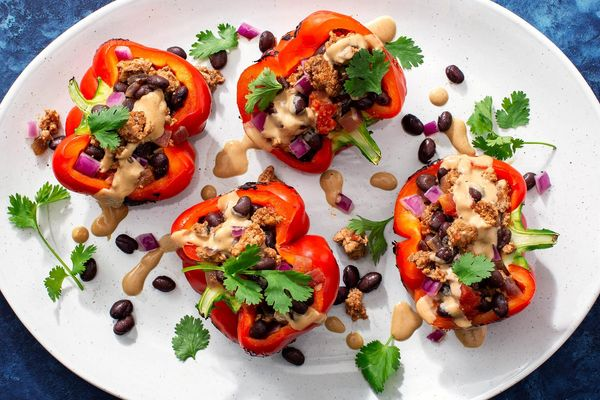 Stuffed bell peppers with turkey and black beans