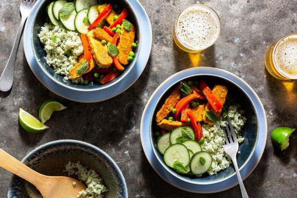 Madras curry bowls with crispy tempeh and cucumber