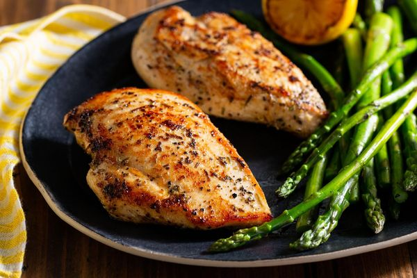 Lemon-pepper boneless skinless chicken breasts (2 count)