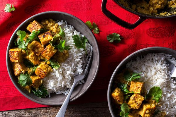 Tempeh tikka masala with baby greens and basmati rice