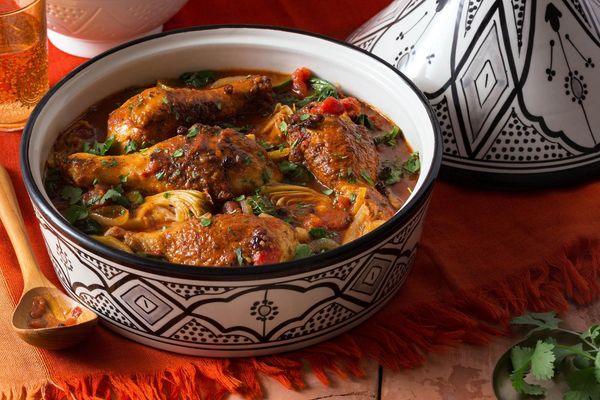 Chicken tagine with currants, spinach, and artichokes