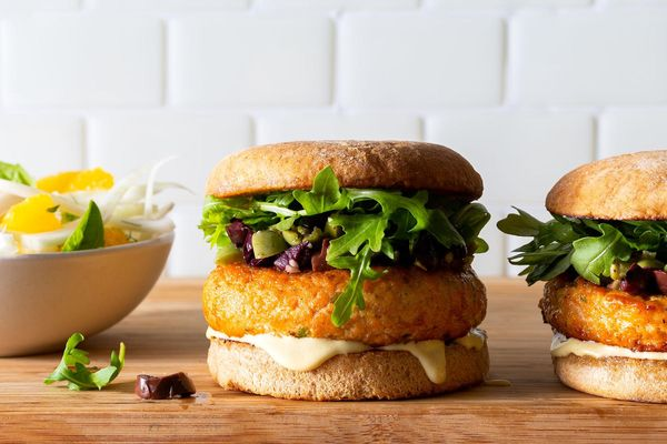 Salmon burgers with olive tapenade and fennel-orange salad