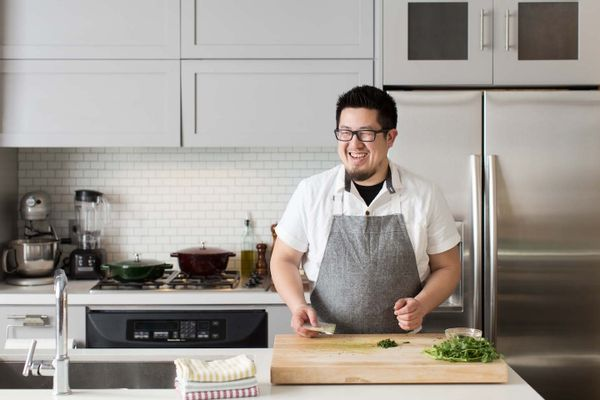 our executive chef of r d and resident knife nerd alan li walks us
