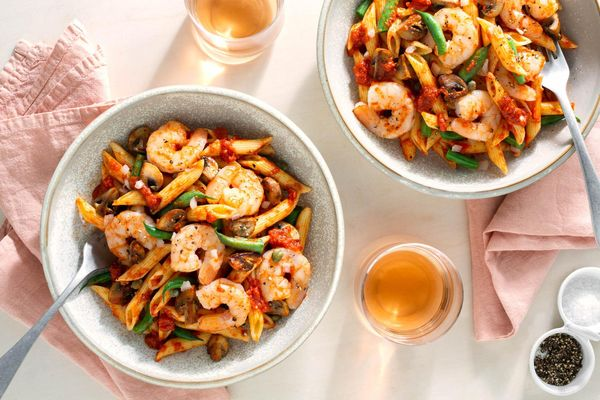 Shrimp penne arrabbiata with mushrooms and green beans