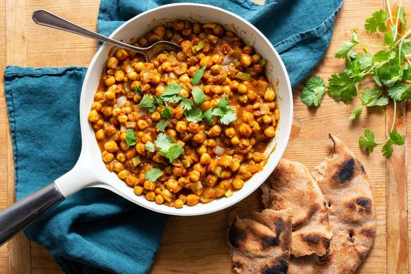 Tamarind chana masala with naan