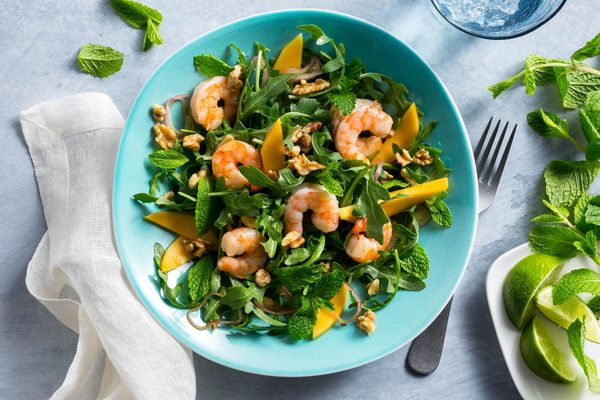 Vietnamese shrimp salad with mango and mint